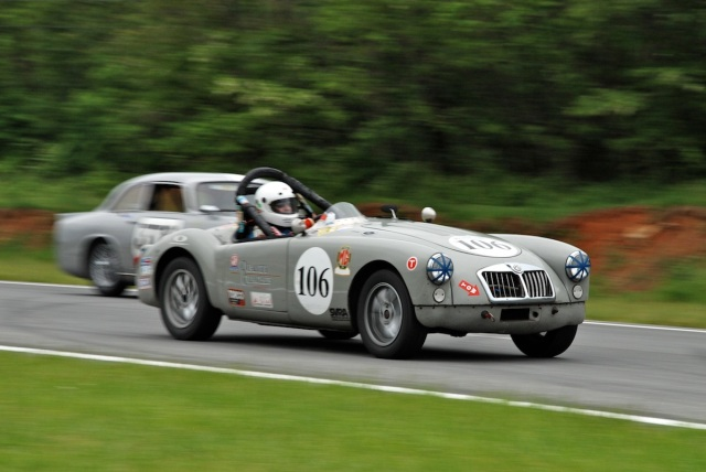 Mark Brandow (#106) 1960 MG MGA, Mark Rosenberg (#378) 1959 Peerless GT1.