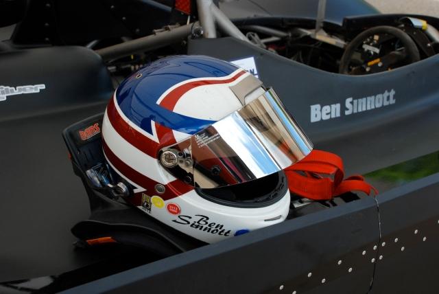 Ben Sinnott's helmet...ala Nigel Mansell.