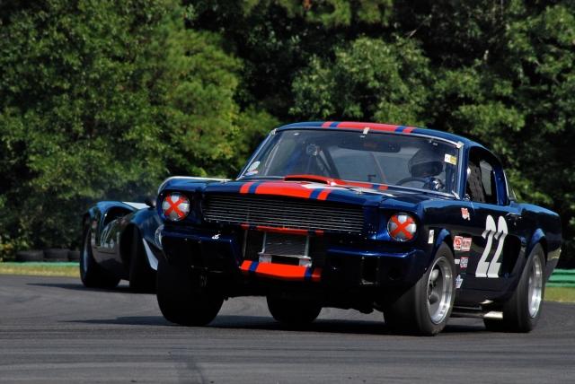 Frank Marcum (#22) 1965 Ford Mustang; Tom Shelton (#62) 1965 Lola T70.